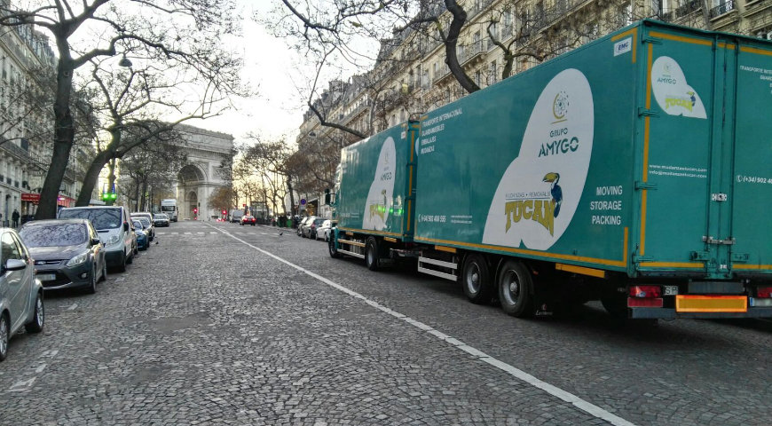 International removals from Málaga to Paris